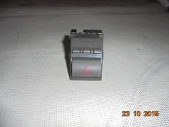 Кнопка аварийной сигнализации TOYOTA CAMRY