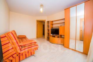 2-комнатная, улица Славянская 17. Гайдамак, 60 кв.м. Комната