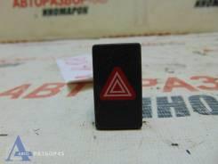 Кнопка включения аварийной сигнализации Volkswagen Jetta