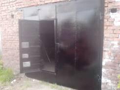 Гаражи капитальные. шишкина 38 к1, р-н Дзержинский, 25 кв.м., электричество, подвал.