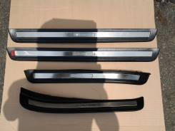 Накладки на пороги кузова с хром вставкой Toyota Crown JZS151, JZS155. Toyota Crown, JZS155, JZS151