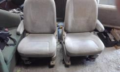 Комплект сиденье от ниссан сирена