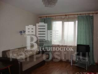 2-комнатная, улица Светланская 133. Центр, агентство, 50 кв.м. Комната