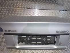 Накладка крышки багажника 1995- Suzuki Baleno