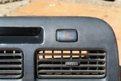 Кнопка включения аварийной сигнализации. Toyota Camry, CV40, SV41, SV40, SV43, SV42, CV43 Toyota Vista, CV40, CV43, SV40, SV41, SV42, SV43