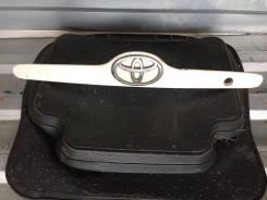 Планка багажника. Toyota Corolla