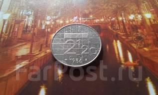 Нидерланды. Два с половиной гульдена 1986 года. Большая красивая монет