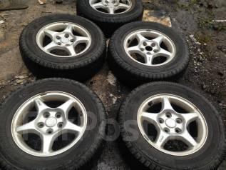 Продам летние шины 205/70R15 на литых дисках. x15 5x114.30