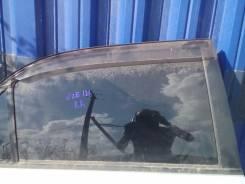 Стекло боковое. Toyota Corolla