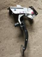 Педаль тормоза. Nissan Skyline, V35