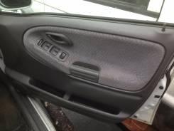 Обшивка двери. Suzuki Escudo, TL52W, TA52W, TA02W, TD62W, TX92W
