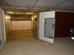 Недорого отличный теплый гараж (помещение) в жилом доме. Вид изнутри