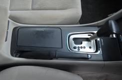 Консоль центральная. Honda Inspire, UC1