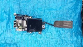 Педаль акселератора. Nissan Terrano, RR50 Nissan Terrano Regulus, JRR50 Двигатели: QD32ETI, QD32TI