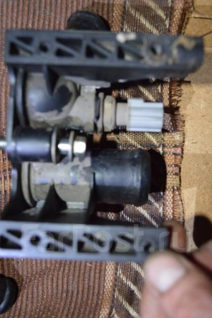 Датчик радиатора кондиционера. Ford Focus, CB4 Двигатели: AODA, AODB, ASDA, ASDB, HWDA, HWDB, HXDA, HXDB, KKDA, KKDB, QQDB, SHDA, SHDB, SHDC, SIDA