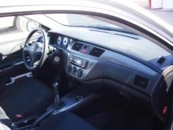 Интерьер. Mitsubishi Lancer
