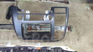 Консоль панели приборов. Nissan Elgrand, ME51, E51, MNE51, NE51 Двигатели: VQ25DE, VQ35DE