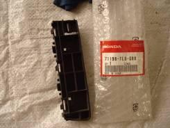 Крепление бампера. Honda CR-V