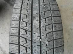 Bridgestone Blizzak Revo2. Зимние, 2010 год, износ: 40%, 2 шт