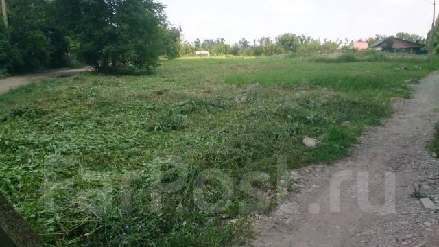 Продаётся угловой дачный участок 819 кв. м. г. Краснодар, пос. Дружелюбный,. От частного лица (собственник). Фото участка