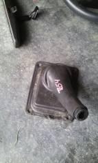 Кожух ручки переключения трансмиссии. Suzuki Escudo, TD94W, TD54W Suzuki Grand Vitara Двигатель J20A