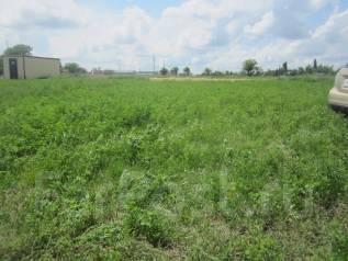 Земельный участок в отличном месте. 400 кв.м., собственность, электричество, вода, от агентства недвижимости (посредник)