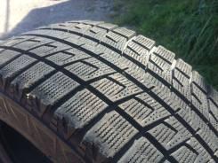 Bridgestone Blizzak Revo2. Зимние, без шипов, износ: 10%, 3 шт