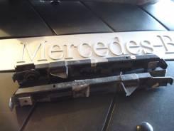 Кронштейн крепления бампера. Mercedes-Benz E-Class, W211