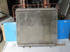 Радиатор охлаждения двигателя. Mazda Bongo Friendee
