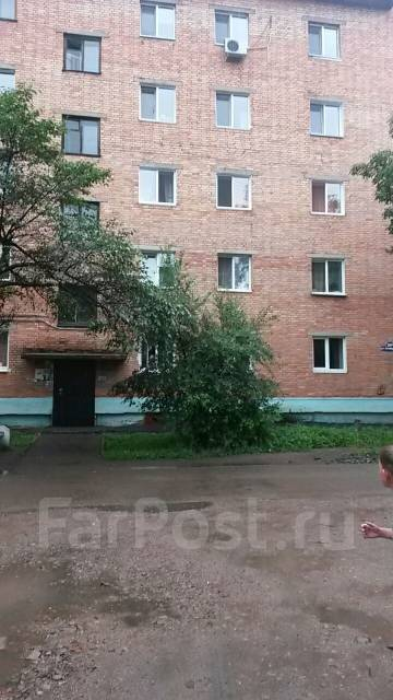4-комнатная, Октябрьская ул 28 А. Старый торговый центр, частное лицо, 62 кв.м.