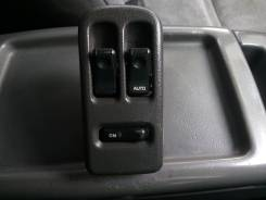 Кнопка стеклоподъемника. Mazda Bongo Friendee