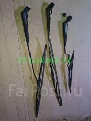 Держатель щетки стеклоочистителя. Nissan Terrano, LBYD21, WBYD21, WHYD21