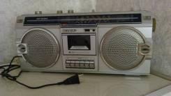 Продам кассетный магнитофон Sharp (1981 г. в. )