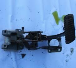 Педаль тормоза. Subaru Forester, SG5 Двигатель EJ205