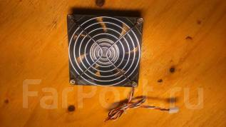 Вентилятор корпуса ПК 80 мм с решеткой никель, б/у в рабочем состоянии