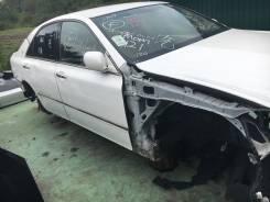 Передняя часть автомобиля. Toyota Crown, GRS184
