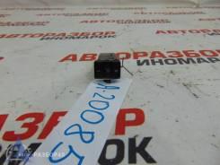 Кнопка включения обогрева Toyota Corolla (E150)