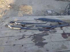 Держатель щетки стеклоочистителя. Mazda Demio, DW3W