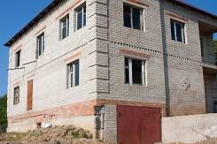 Продам коттедж. Сахарова 45, р-н Шкотовский, площадь дома 290 кв.м., централизованный водопровод, электричество 15 кВт, отопление твердотопливное, от...