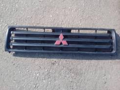 Решетка радиатора. Mitsubishi Pajero, V44W Двигатель 4D56