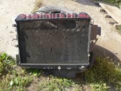 Радиатор охлаждения двигателя. Mazda Bongo Truck