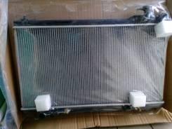 Радиатор охлаждения двигателя. Infiniti G35 Nissan Skyline, CPV35, V35 Двигатель VQ35DE