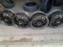 "Black Racing. 7.5x17"", 5x100.00, ET48"