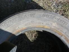 Bridgestone Blizzak MZ-01. Зимние, износ: 50%, 2 шт