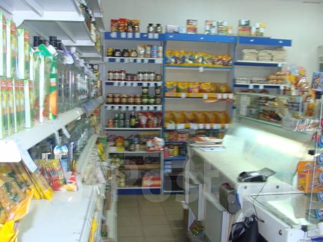 Магазин, кафе и жилой дом