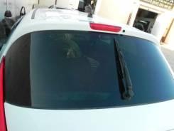 Стекло заднее. Nissan Juke