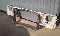 Рамка радиатора. Toyota Crown, GS131