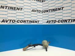 Бачок гидроусилителя руля. Mazda MPV, LW3W Двигатель L3VE