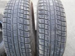 Bridgestone ST30. Зимние, 2011 год, износ: 30%, 2 шт