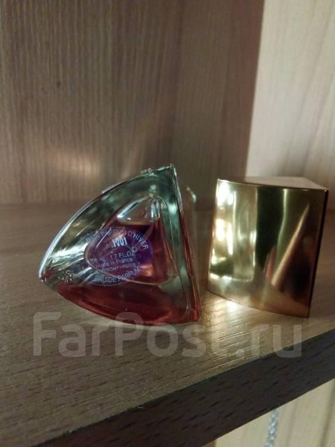 Very Irresistible Poesie Dun Parfum Dhiver Givenchy парфюмерия